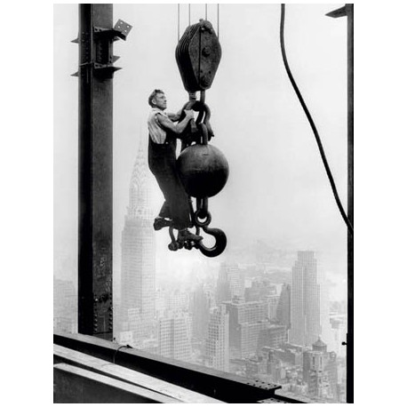 CONSTRUCTION WORKER AT EMPIRE STATE BUILDING, 1930