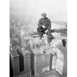 WORKER ON SKYSCRAPER BEAM, 1929