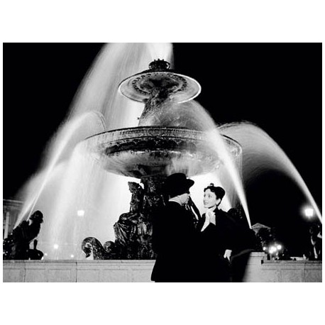 MAN AND WOMAN NEAR FOUNTAIN, PARIS 1951