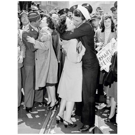 KISSING ON V-E DAY, 1945