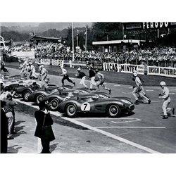 DRIVERS AT THE START OF A RACE, ENGLAND 1958