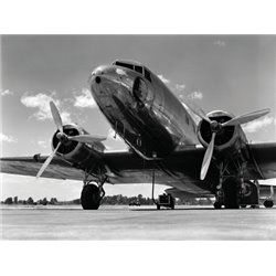 1940S PASSENGER AIRPLANE