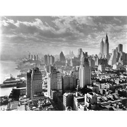 EAST RIVER WATERFRONT AND MANHATTAN, 1931