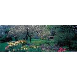 COUNTRY GARDEN, OLD WESTBURY GARDENS, LONG ISLAND