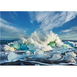 Waves breaking, Iceland